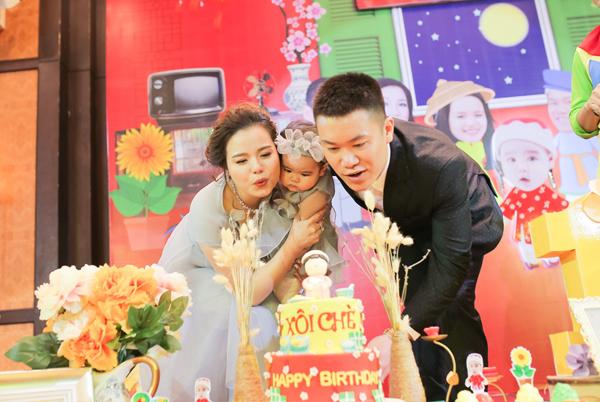 Album sinh nhật bé Thùy Dương 1 tuổi