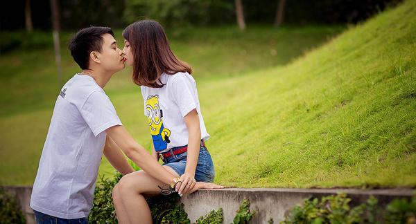 hãy trao cho nhau những nụ hôn