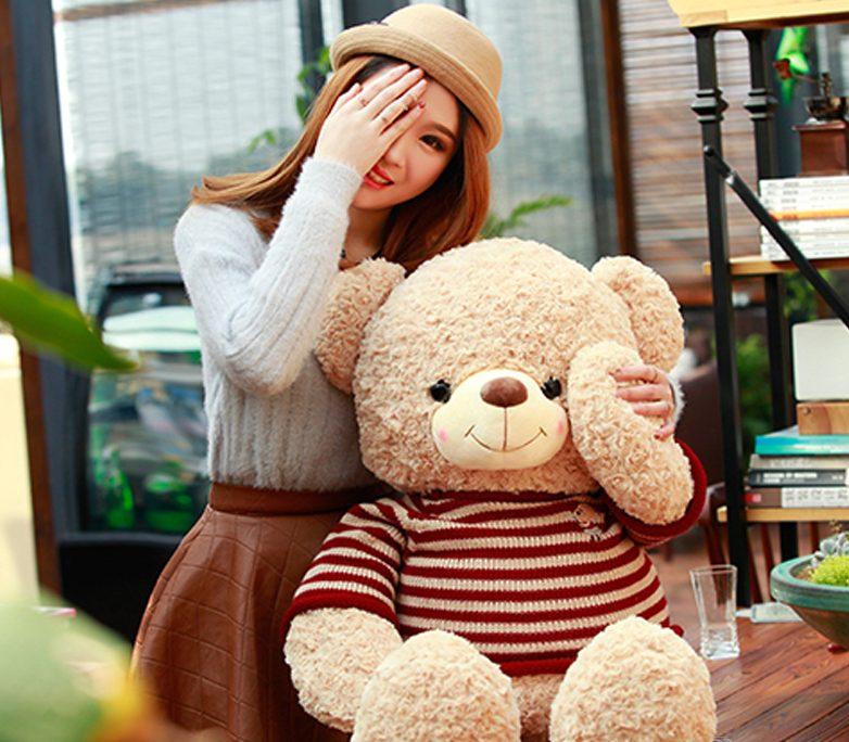 Chắc chắn bạn sẽ có được những bức hình dễ thương bên chú gấu bông của mình đấy